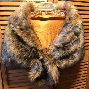 Black & Tan Faux Fur Stole
